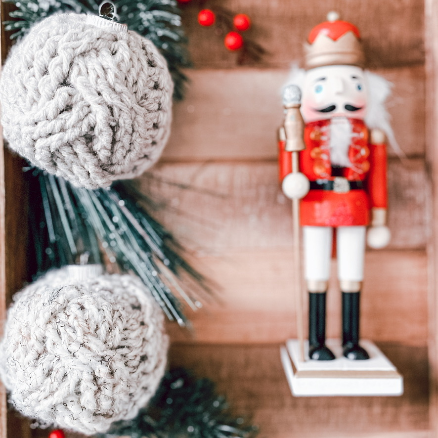 Cabled Ornament Cozy